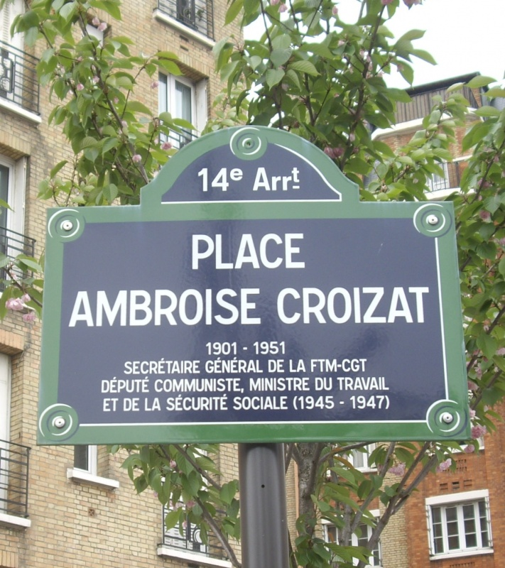 Place_Ambroise-Croizat,_Paris_14