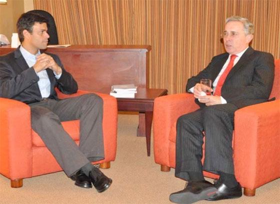 Leopoldo Lopez et Alvaro Uribe, 15 décembre 2011. (DR)
