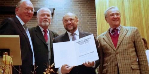 Franz Maget, Albrecht Schläger, Martin Schulz et Dr. Helmut Eikam (Remise du prix Wenzel-Jaksch)