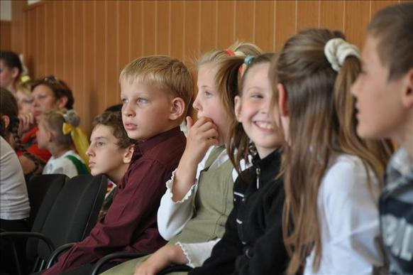 concert enfants réfugiés donetsk