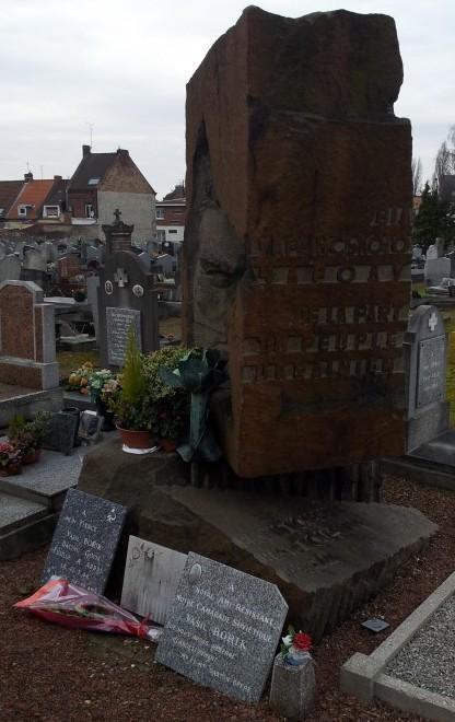 Monument hommage à Vasil Borik
