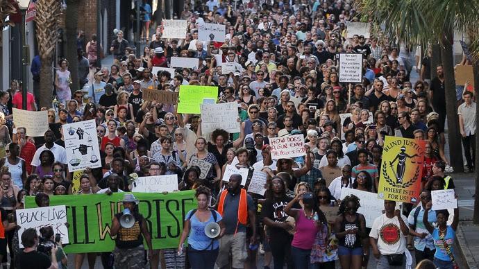 charleston-massacre-protest-vigil.si