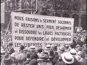 14 Juillet 1935 / 14 Juillet 2015  :  Deux drapeaux contre la fascisation oligarchique !