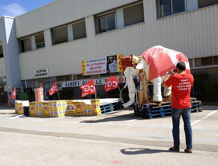 Gémenos Fralib éléphant1