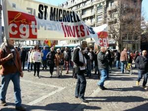 Solidarité avec les travailleurs de STMicroelectronics en lutte : l'industrie doit vivre ! Signez la pétition !