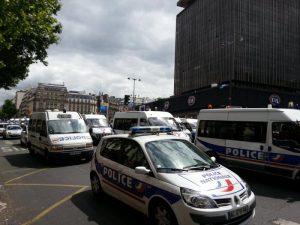 défilé ininterrompu de policiers manif 14 juin