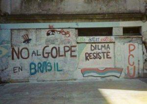"""""""non au coup d'état au Brésil""""; grafiti sur un mur en Uruguay par les communiste"""
