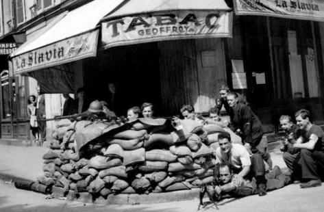 25 aout   L insurrection parisienne ! la libération de Paris par la  résistance menée par les communistes. - INITIATIVE COMMUNISTE a487eeb9bc4