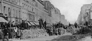 A la mémoire de la Commune – Lénine