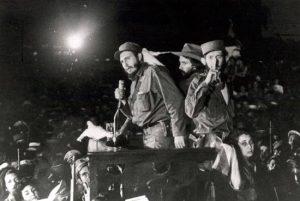 Fidel Castro laisse en héritage le modèle démocratique de Cuba, riche d'enseignements