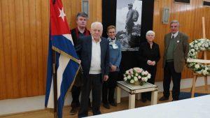 Le PRCF rend hommage à Fidel Castro à l'ambassade de Cuba à Paris
