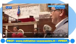 Entrée à l'Assemblée : Mélenchon brave le drapeau clérical de l'UE et défend la République