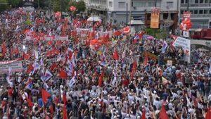 Énorme manifestation en Grèce pour la Paix contre l'OTAN #Thessalonique #vidéo