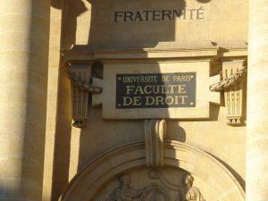 Fac de droit : Pour une critique des études en Droit, pour le droit à étudier : témoignage d'un JRCF