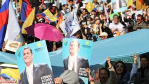 """Rafael Correa : """"Ils sont en train de détruire la démocratie en Équateur"""""""