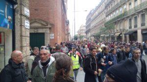 La mobilisation continue avec l'#acte25 des #GiletsJaunes .