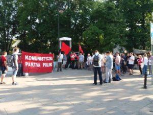 Poursuites anticommunistes en Pologne et en Ukraine, les parlementaires du KKE alertent.