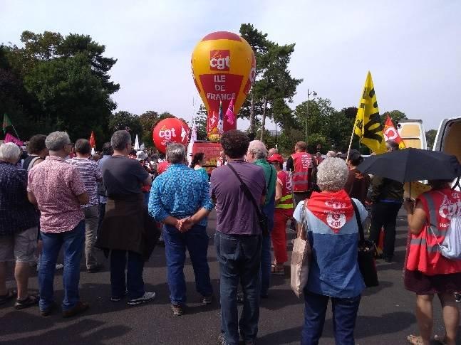 Le PRCF mobilisé devant l'université du MEDEF #REF.