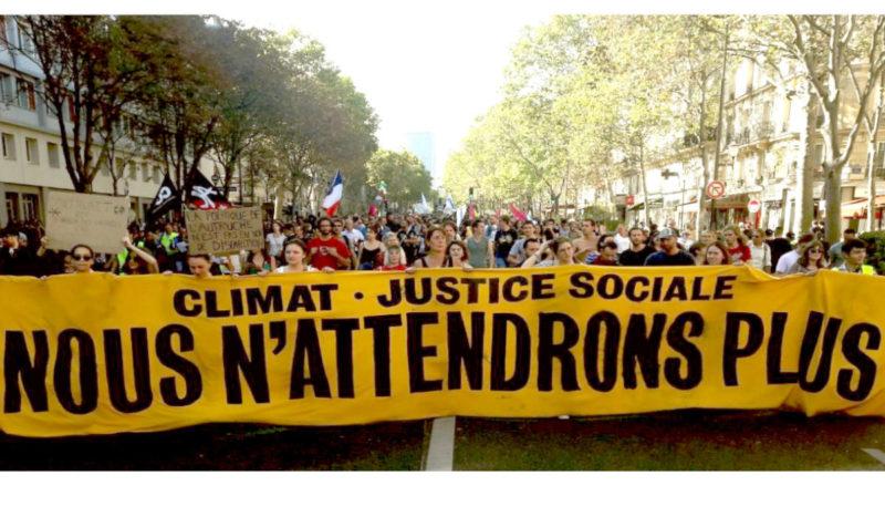 Plus de 100 000 manifestants pour les #MarcheClimat et #Acte45 violemment attaqués par le régime Macron !