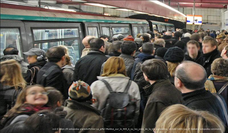#Grève5décembre : trafic RER et TER à l'arrêt, les écoles fermées, la grève générale s'annonce massive, les prévisions à Paris et dans les grandes villes.