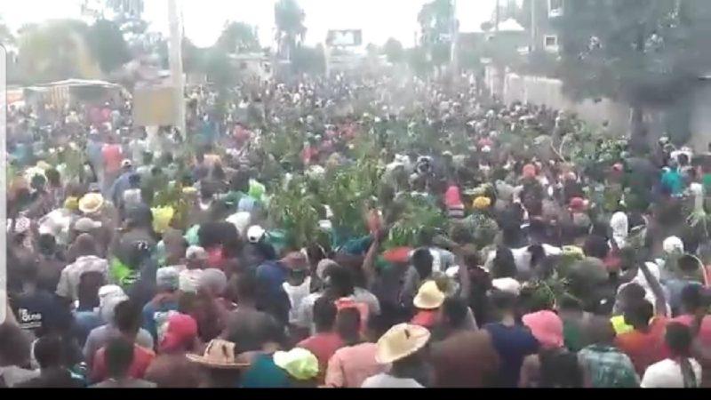 Haïti : C Chalmers répond à R Mingus sur l'énorme mouvement social pour le départ de Moise Jovenel.