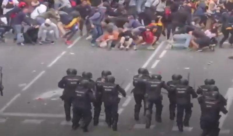 Stop à la répression néo fasciste en Catalogne.