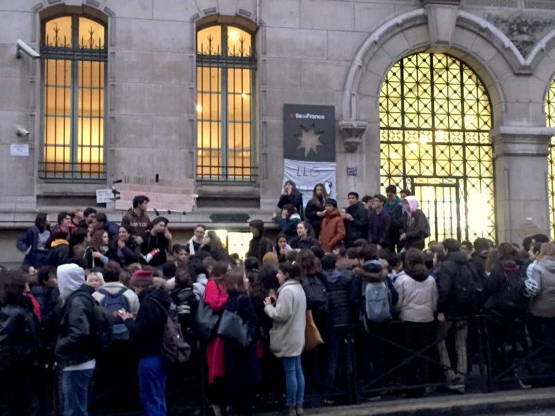 Comme de nombreux établissements le lycée Louis le Grand à Paris bloqué et en grève reconductible .#LoiBlanquer #retraitesparpoints