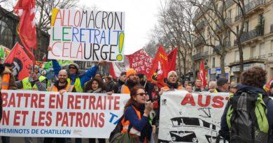 Face au #49.3 mobilisation partout en France pour le retrait de la #réformedesretraites !