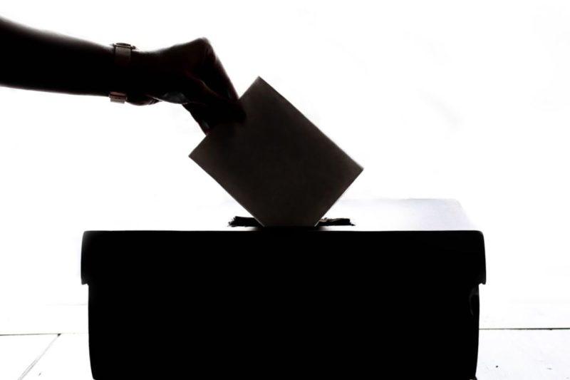 Démocratie participative et lutte des classes. Les cas français et nicaraguayen*