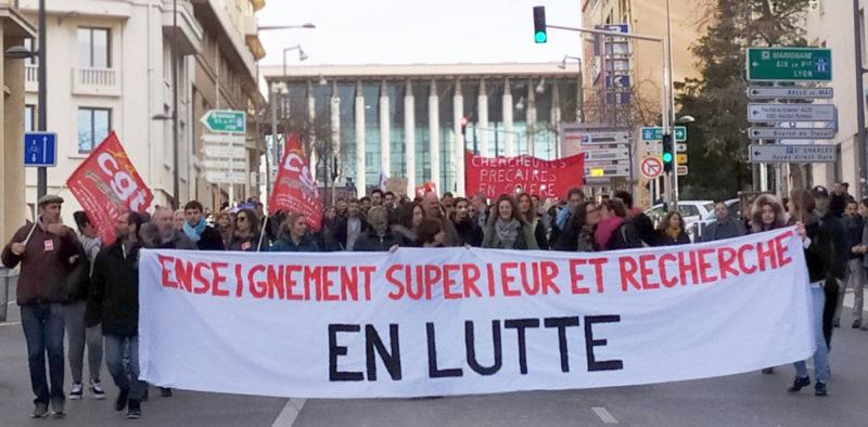 #LPPR étudiants et chercheurs exigent le retrait du projet de loi LPR, un rassemblement devant l'Assemblée Nationale ce 21 septembre.