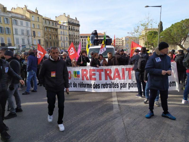 Pour le #retraitdelaréforme des #RetraitesParPoints : la grève continue, la résistance engagée à l'Assemblée.