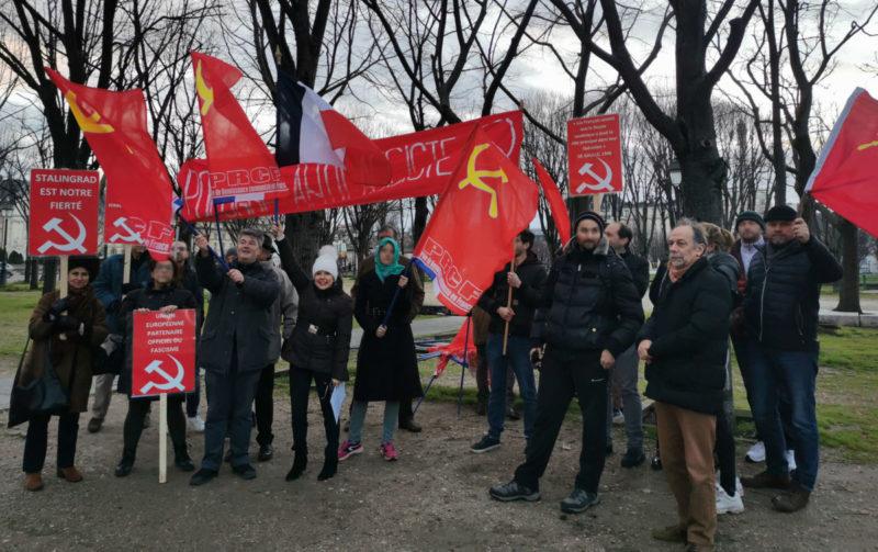 Eurofascisation et la répression anticommuniste : retour sur les prises de parole en solidarité avec le KPP devant l'ambassade de Pologne à Paris.