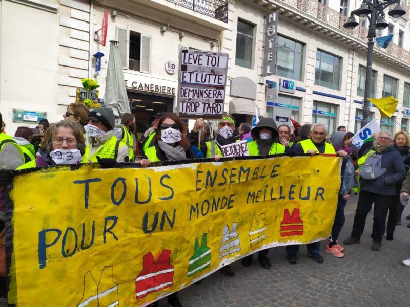 #manifs16octobre Salaires bloqués, hausse des prix : les gilets jaunes appellent à reprendre les ronds-points ce samedi pour une #GiletsJaunesSaison2