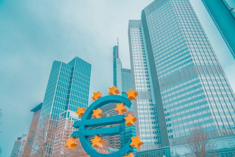 Mélenchon condamne l'emprunt Merkel Macron qui accélère la destruction de la France : souveraineté du peuple ou UE, il faut choisir !