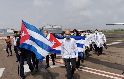 Les français peuvent compter sur l'aide de Cuba : une brigade de médecins cubains aide les Antilles !