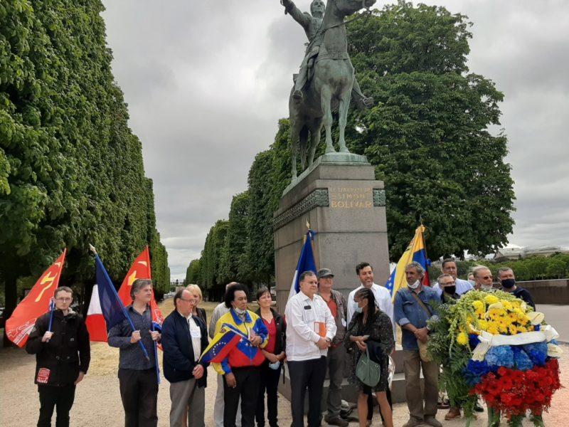 Hommage à Simón Bolívar et à la résistance bolivarienne et chaviste au Venezuela.
