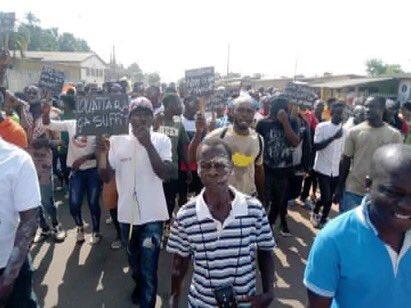 Côte d'Ivoire, le régime Ouattara vacille et réprime !