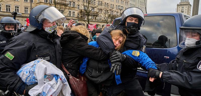 Répression de la la FDJ : lettre ouverte à Angela Merkel de Pierre Pranchère, résistant FTPF, ancien député français et parlementaire européen.