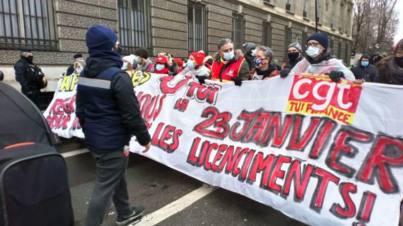 Gorgé d'aides, le voyagiste TUI (Nouvelles Frontières, Marmara, Look etc.) lance un plan de licenciements massifs –  entretien avec la CGT-TUI