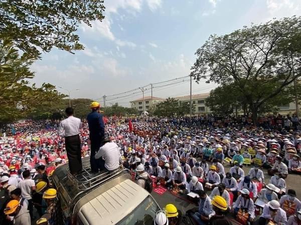 Birmanie: solidaires du mouvement populaire.