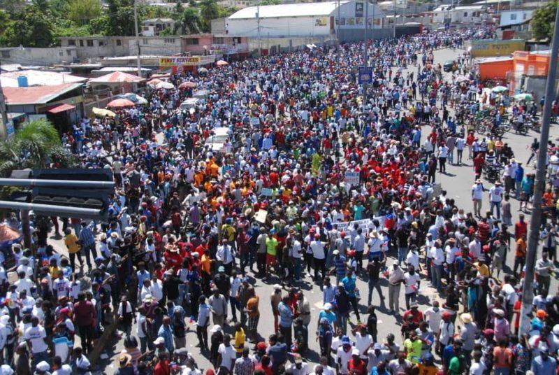 """Haïti : """"pourquoi Jovenel doit partir""""."""