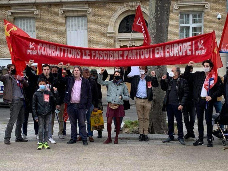 #2mai Odessa : en photos et vidéo, mobilisation antifasciste pour la justice pour les victimes devant l'ambassade d'Ukraine à Paris.