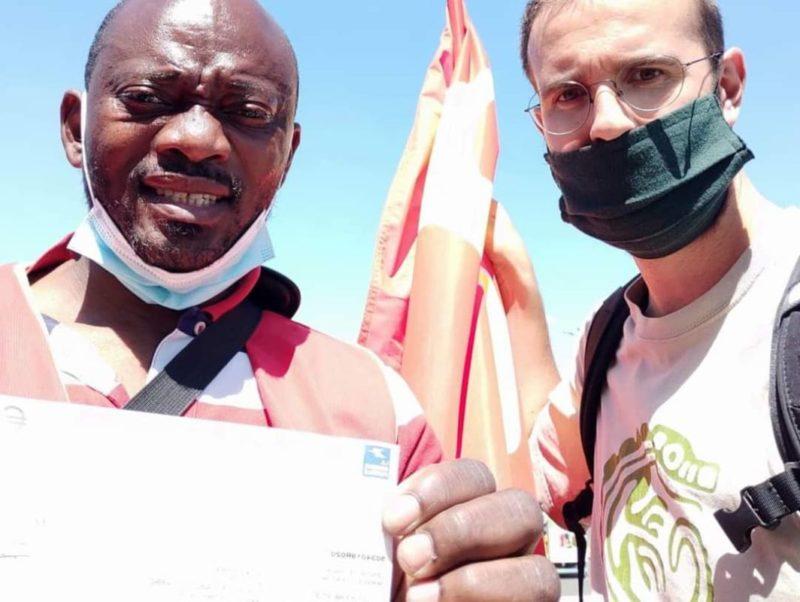 Interview avec H. Kidzouani, délégué CGT SIGNIFY, et chèque de soutien du PRCF94 à la grève qui dure depuis 3 semaines.