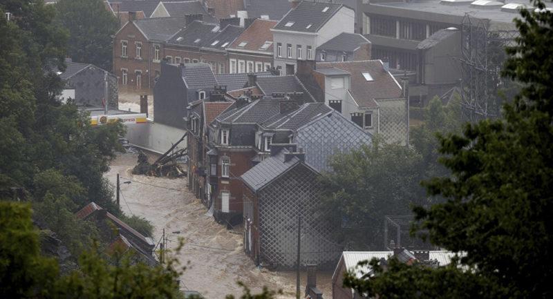 Beaucoup d'eau … et de capitalisme : le PC belge souligne les tragiques conséquences de l'euro austérité